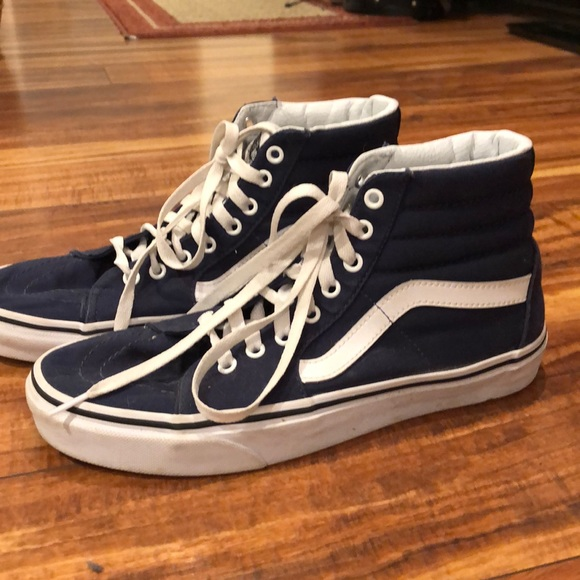 Men's size 9, women's 10.5 high top Vans